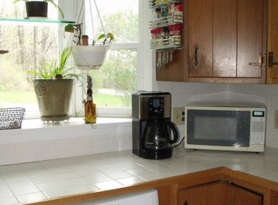 kitchen middle right cropped