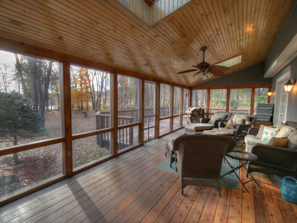 13 screened porch