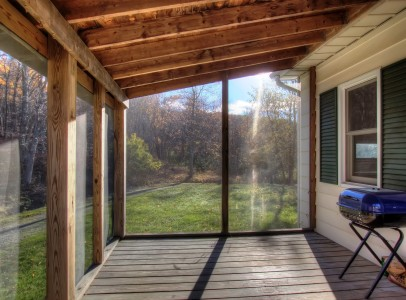 8 screened porch